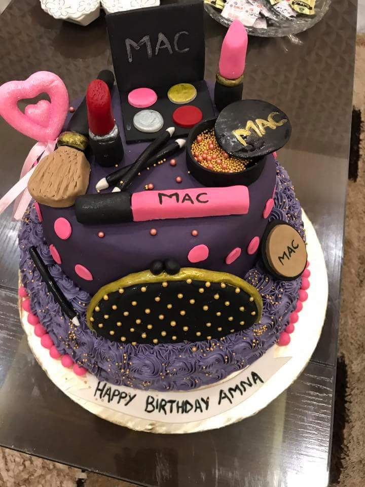 Get Best Makeup Theme Birthday Cake At The Fair Price Cakes Com Pk