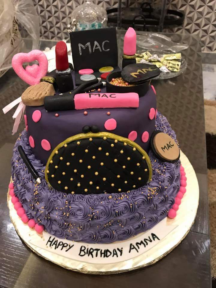 Get Best Makeup Theme Birthday Cake At The Fair Price
