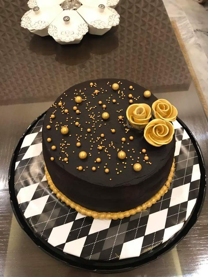 Buy Gold And Black Wedding Cake At Affordable Prices