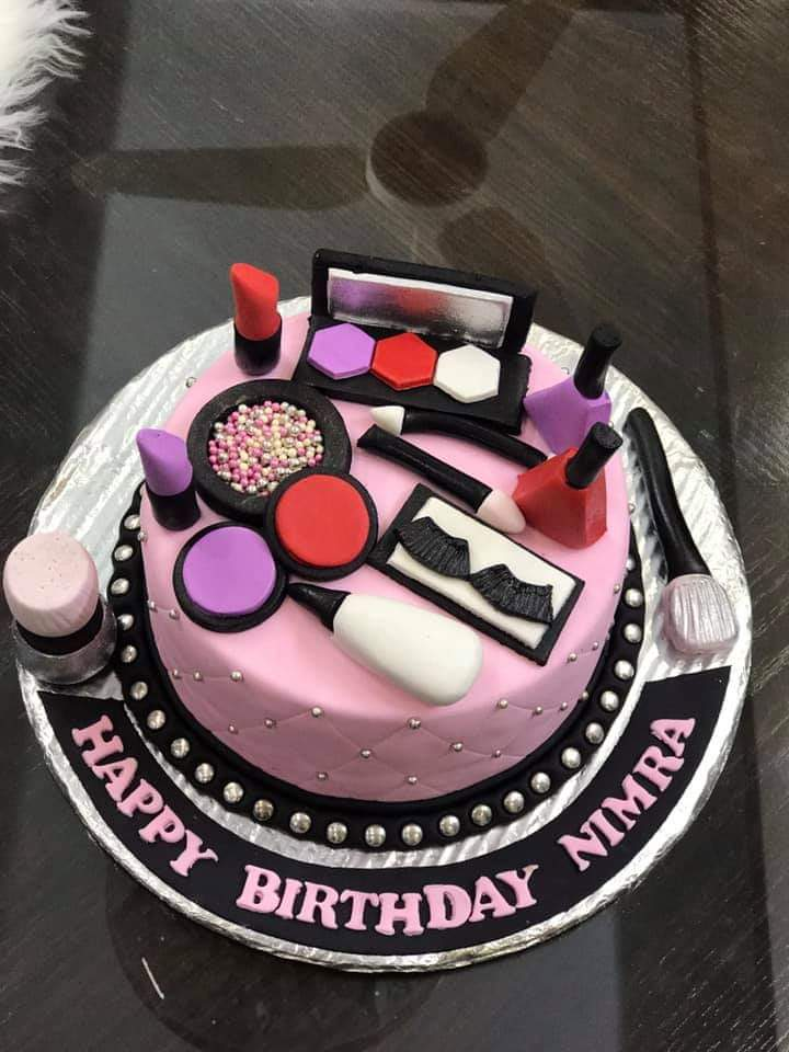 Beauty Makeup Cake