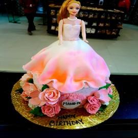 beautiful dress cake