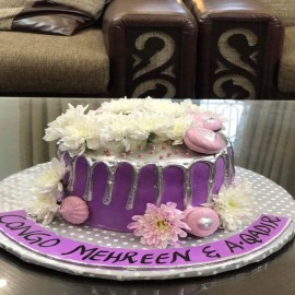 drip cake prices in Lahore