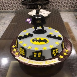 Batman cake prices in Lahore