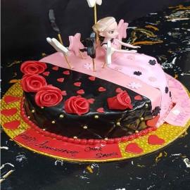 Doll design cake